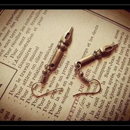 Boucle d'oreille Plume écrivain