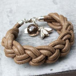 Armband aus Leder in Echsenoptik mit Rauchquarz und Silber-Biene