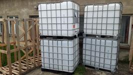 IBC-Behälter GEBRAUCHT transparent auf robuster Stahl oder Kunststoffpalette 1000 Liter   Optisch Neuwertig Einfüllöffnung ca 140mm
