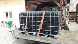 IBC-Behälter GEBRAUCHT auf robuster Stahl oder Kunststoffpalette 1000 Liter Schwarz    Einfüllöffnung ca 225mm