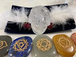 Chakren-Harmonisierungs-Set mit Kristallschädel