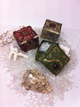 Bergkristall Schatzkästchen aus 1001 Nacht