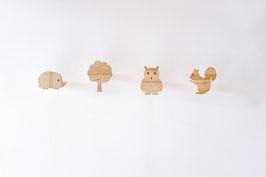Vier tierische Wandhaken / Garderobenhaken für Kinder aus Holz, Eule, Igel, Eichhörnchen, Baum
