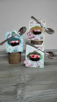 Marmeladen-Verpackung mit Löffel