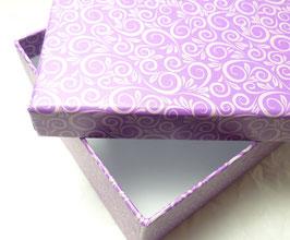 Geschenkbox lila und grau / Blumendekor