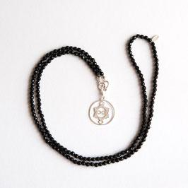 Onyx Edelsteinkette 4mm/70cm mit Heart Spirit Kraftsymbol