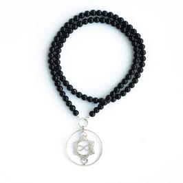 Onyx Edelsteinkette 10mm mit Heart Spirit Kraftsymbol