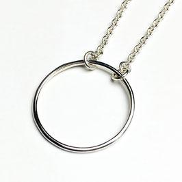 CARA – Silberkette mit Ringdetail