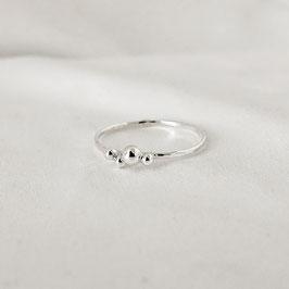AURA – Ring mit Kügelchen Silber