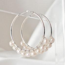 HALINA – Creolen mit Perlen 32 mm Silber