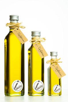Sizilianisches Olivenöl mit Basilikum