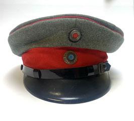 Offiziersfeld-Schirmmütze der Luftwaffe WK 1 inkl Richthofen Medaille