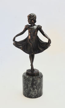 Tanzendes Mädchen, Art Deco Figur