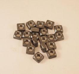 Vierkantmuttern  Set,  M 8 Eisen blank
