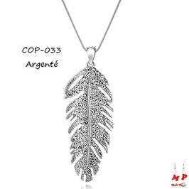 Collier à pendentif plume en métal dorée ou argentée incrustée de strass
