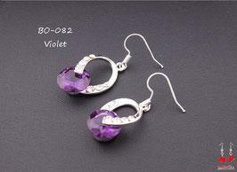 Boucles d'oreilles pendantes torsadées et pierre violette