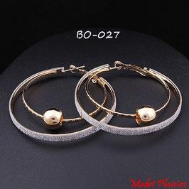 Boucles d'oreilles double anneaux dorés ou argentés et perle