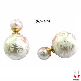 Boucles d'oreilles double perles fleuries blanches nacrées