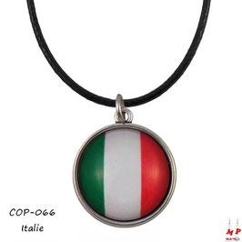 Collier à pendentif drapeau de l'Italie en verre