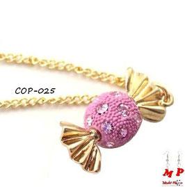 Collier à pendentif bonbon rose et doré incrusté de strass