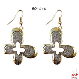 Boucles d'oreilles pendantes papillons dorés et paillettes argentées