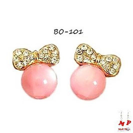 Boucles d'oreilles noeuds papillons et perles roses