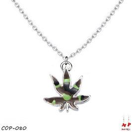 Collier à pendentif feuille de cannabis treillis militaire