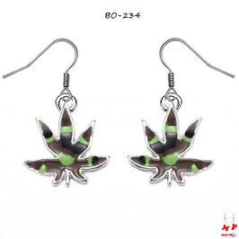 Boucles d'oreilles pendantes à feuilles de cannabis treillis militaire