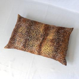 Kissen mit Leoparden-Fell-Design Längsformat