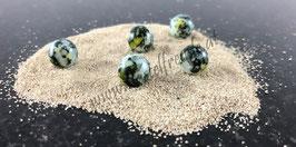 Perle schwarz gelb gefleckt