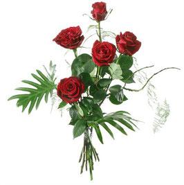 5 rote Rosen mit Grün