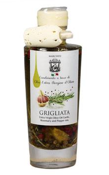 Olivenöl mit Knoblauch, Rosmarin und Pfeffermix