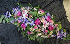 Dessus de cercueil violet