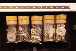 時計パーツ10g(瓶入り)