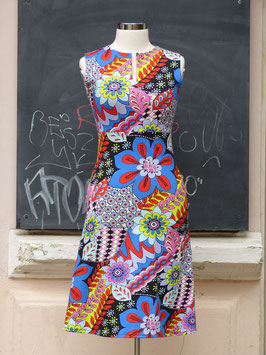 Keyhole Dress * *London calling*