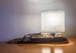 Tischlampe aus Nußholz