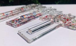 """Glaskreuz """"midi"""" ca 15 cm Höhe und 10 cm Breite zum aufhängen, handsigniert, Gewicht ca 110 Gramm."""