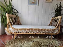 Cama infantil, sofá
