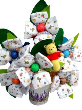 Maceta de flores con pañales