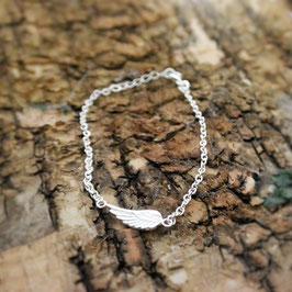 Silberarmkette mit Flügel, grob