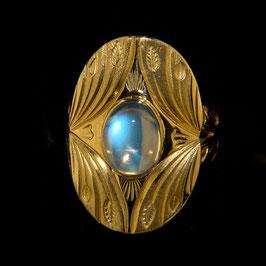 Ring mit Ceylon-Mondstein