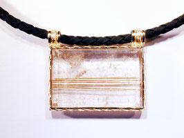 Bergkristall mit Rutilnadeln