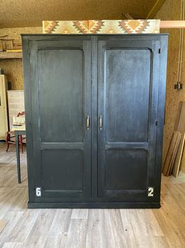 Ancienne armoire d'école relookée