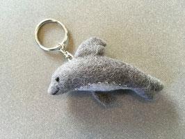 Schlüssel- Anhänger Delfin grau Filz