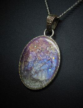 Amulett Flieder