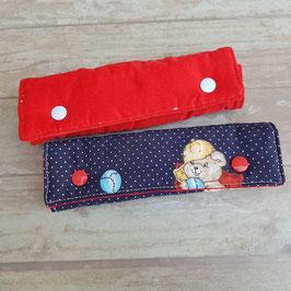 Coussin pour ceinture de sécurité velours rouge/  imprimé oursons