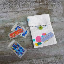 Pochette à pansements appliqué pois et bleu
