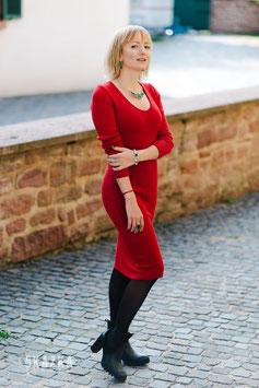 Midistrickkleid aus Wolle, kuschelig und warm für gemütliche Wintertage chic im Büro