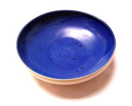 Schale groß, mit Schwalben, innen blau, gewölbter Rand