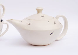 Teekanne mit Schwalben